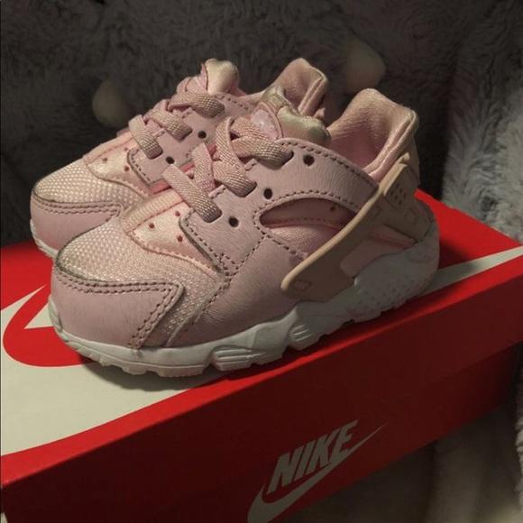 buy popular 88e22 9aea1 Baby girl Nike Huarache